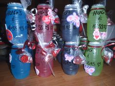 Hugs & Kisses, class Valentine party idea. Valentine Gifts For Kids, Valentine Drinks, Valentines Day Treats, Valentine Party, Homemade Valentines, School Kiss, Holiday Snacks, Santos, Pinterest Valentines
