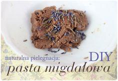 Oczyszczająca pasta migdałowa do twarzy: http://www.alinarose.pl/2012/07/naturalna-pielegnacja-diy-migdaowa.html