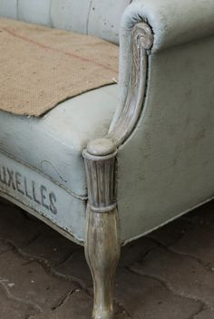 vintage | french | shabby chic...Kristian wouldn't this old sofa look incredible in photos!!!