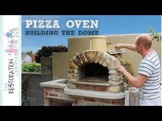It's beginning to look like a pizza oven! This video covers the whole build of the oven from assembly and insulating to stonework and render. Pizza Oven For Sale, Pizza Oven Kits, Diy Pizza Oven, Pizza Oven Outdoor, Pizza Ovens, Outdoor Kitchen Bars, Outdoor Kitchens, Garden Pizza, Oven Diy