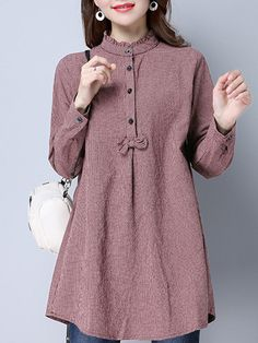 Casual Lace Patchwork Long Sleeve V-neck Blouses For Women Cheap – NewChic Mobil… Casual Lace Patchwork manga comprida com decote em V blusas para mulheres baratos – NewChic Mobile Zerschnittene Shirts, Cut Up Shirts, Tie Dye Shirts, Long Shirts, Shirt Blouses, Kurta Designs, Blouse Designs, Muslim Fashion, Hijab Fashion