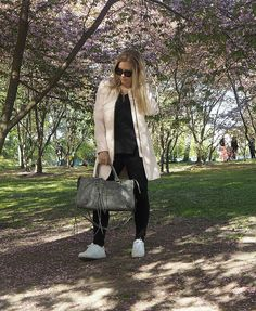 A'la Annn: Candy Girl Cherry blossom in Finland. Finland, Cherry Blossom, My Outfit, Pastel, Hipster, Candy, Coat, Pink, Outfits