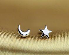 b35f872fb 2 Pairs New Fashion Silver Tone Moon Star Shape Mini Asymmetric Stud  Earrings Girls Womens Jewelry Gift
