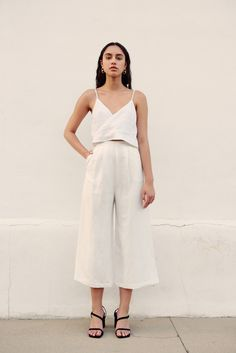 Awesome 49 Charming Womens Summer Minimalist Style Outfits Ideas To Try This Season Trend Fashion, Summer Fashion Trends, Fashion Over, Look Fashion, Fashion Beauty, Cheap Fashion, Fashion Ideas, 50 Fashion, Latest Fashion