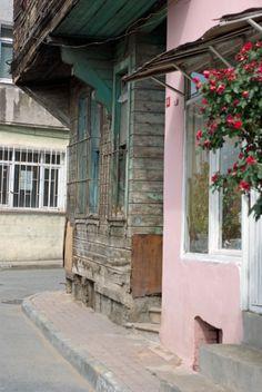 old style houses of Yedikule, İstanbul, pentax k10d, ozgur ozkok