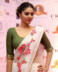 ✅ Sanam Shetty Latest Hot Photoshoot Photos in HD, Wallpapers Saree Blouse Neck Designs, Saree Models, Trendy Sarees, Indian Beauty Saree, Cute Beauty, Beautiful Saree, Beautiful Eyes, Indian Models, South Indian Actress