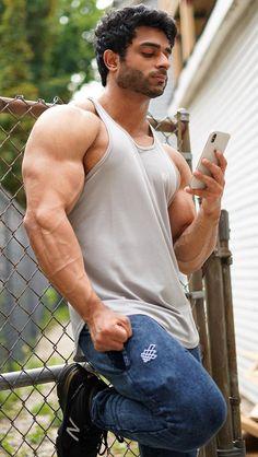 Eye Candy Men, Hunks Men, Smart Men, Hommes Sexy, Muscular Men, Muscle Tees, Attractive Men, Male Beauty, Perfect Man