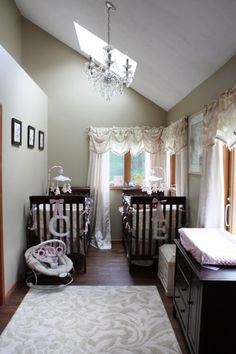 small nursery ideas http://www.babylifestyles.com/images/nursery/twin-girl-baby-nursery/twin-girl-pink-nursery.jpg
