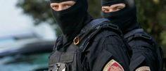 """""""Allahu Akbar"""". Poi l'assalto: poliziotti aggrediti col machete - http://www.sostenitori.info/allahu-akbar-lassalto-poliziotti-aggrediti-col-machete/251984"""