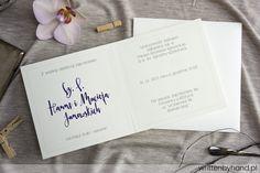 Ręcznie wykonane, ozdobione pięknym kwiatem bzu zaproszenie ślubne, w którym głównymi elementami są kaligrafowane w nowoczesnym stylu nie tylko Imiona Państwa Młodych ale również każde Imię oraz Nazwisko osoby zaproszonej !
