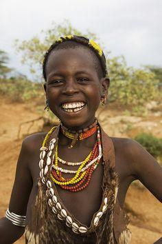 Hamer girl, Ethiopia by Izla Kaya Bardavid Beautiful Smile, Beautiful Children, Black Is Beautiful, Beautiful People, We Are The World, People Around The World, Cultures Du Monde, Tribal People, African Culture