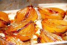 Bagte løg - karamelliserede løg i ovn - Madens Verden Side Recipes, Gourmet Recipes, Healthy Recipes, Food N, Food And Drink, Big Food, I Love Food, Good Food, Waldorf Salat