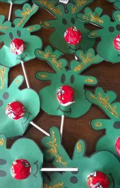30 Ideias de Manualidades de Natal - Aluno On christmastreats Kids Crafts, Christmas Crafts For Kids, Christmas Activities, Diy Christmas Gifts, Christmas Projects, Holiday Crafts, Christmas Holidays, Christmas Ornaments, 242