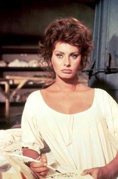 Madame Sans Gene   La dea d'Italia. <3 Sophia Loren   Pinterest
