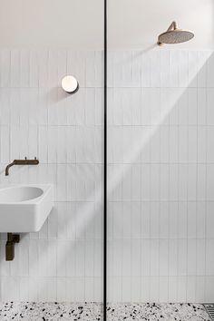 Northcote Residence   Melanie Beynon Architecture & Design Classic Home Decor, Unique Home Decor, Cheap Home Decor, Bathroom Interior Design, Interior Decorating, Interior Modern, Interior Colors, Interior Livingroom, Luxury Interior