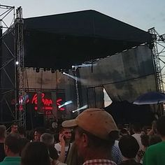 """Przed występem zespołu """"Lady Pank"""" nad Bulwarem Nadodrzańskim podczas Dni Głogowa 2016   Głogów, 05.06.2016 r."""