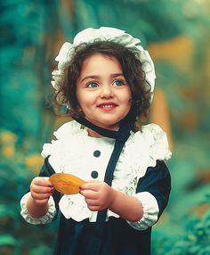Cute Baby Girl Photos, Cute Kids Photos, Cute Little Baby Girl, Beautiful Baby Girl, Cute Baby Pictures, Cute Girl Poses, Cute Girl Face, Cute Girls, Beautiful Children