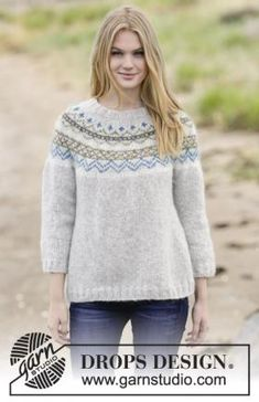 """Lovely & Blue - Knitted DROPS jumper with lace pattern, round yoke and seed st in """"Merino Extra Fine"""". Size: S - XXXL. - Free pattern by DROPS Design Tejido Fair Isle, Punto Fair Isle, Drops Design, Fair Isle Knitting, Free Knitting, Finger Knitting, Sweater Knitting Patterns, Knit Patterns, Ropa Free People"""
