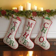 DIY: How to Make Your Own Silver Christmas Table Wreath - The Trending House Silver Christmas, Diy Christmas Ornaments, Christmas Balls, Homemade Christmas, Diy Christmas Gifts, Christmas Home, Christmas Wreaths, Christmas Decorations, Christmas Ideas