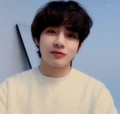 Cutest V yang Bts Boys, Bts Bangtan Boy, Jimin, V Taehyung, Daegu, Gif Kpop, V Gif, Bts Video, Boyfriend Material