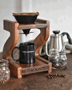 Learn how zero waste coffee can be a part of a sustainable lifestyle. The Camano Coffee Grinder is made in the USA by the Red Rooster Company. Buy your coffee beans in bulk, grind them yourself and use a reusable coffee filter. Wood Projects, Woodworking Projects, Palette Deco, Café Vintage, Reusable Coffee Filter, Coffee Stands, Pour Over Coffee, Red Rooster, How To Make Coffee