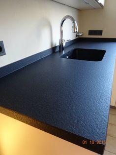 top cucina bulthaup in granito nero assoluto fiammato e spazzolato con lavello scatolare in. Black Bedroom Furniture Sets. Home Design Ideas
