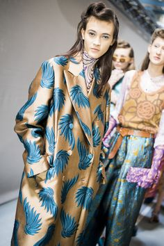 Only Dries Van Noten can orchestrate jacquards, brocades and light weight silks in a symphonic clashing of colors and patterns. His spring collection was an epic lesson in layering and self-assured dressing. Music to our ears. 40s inspired silhouettes were brought back to the future with sequin