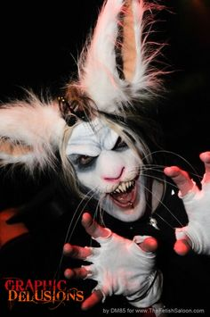 DIEEEEEEE!!!!!!!! Bunny Halloween Makeup, Bunny Makeup, Amazing Halloween Makeup, Halloween 2018, Halloween Make Up, Halloween Costumes, White Rabbit Makeup, Evil Bunny, Beyond Wonderland