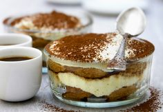 Low calorie recipes 109564203409264115 - Tiramisu light Source by clbret Easy Cake Recipes, Cupcake Recipes, Snack Recipes, Dessert Recipes, Low Calorie Sweets, Low Calorie Recipes, Light Desserts, Sweet Desserts, Yogurt