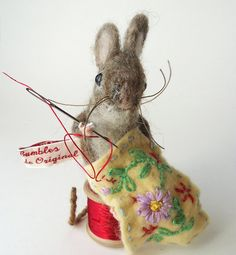 Oh my- so sweet a needle felted sewing mouse
