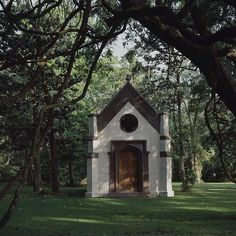 ...And a private chapel set in the oaks. Yes, my future estate will have a tiny chapel... And the donkey... And the lemon truck... And that ice cream truck... And now I'm thinking maybe an owlcote instead of a pigeonnier.
