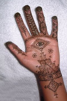 Moroccan henna design, via Flickr.