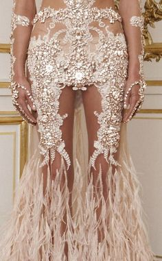 #Givenchy #Haute #Couture #Haute Couture #artsy #gown #fashion #avant-garde #artisan fashion #artisan  #style #evening gowns #runway