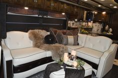 Winnebago Introduces 2015 Grand Tour and Ellipse Ultra