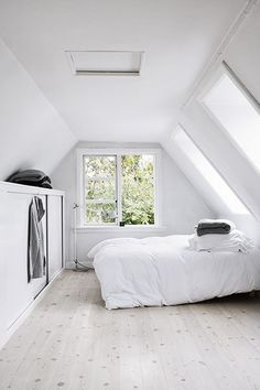 White-danish-summer-house-bedroom