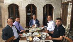 HATİAB Genel Başkanı İbrahim Güder ve ORGE Elektrik CEO'su ve HATİAB Başkan Yardımcısı Nevhan Gündüz Hatay'a yaptıkları program çerçevesinde Antakya Ticaret Odası Başkanı Sayın Hikmet Çinçin'in misafiri oldular.
