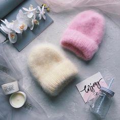 Всем привет • Я к вам снова с пушистиками.. Эта модель однозначно стала моей любимой Так что в том, какую шапку я выберу для себя, у меня сомнений нету) • ❌Продана❌ ✅ ОГ 54-57 ✅ Состав: мохер, шерсть, акрил ✅ Доставка в любую точку мира ✅ По вопросам покупки прошу в директ Knitted Headband, Knitted Hats, Crochet Gifts, Knit Crochet, Knit Mittens, Knitting Accessories, Knit Fashion, Mode Outfits, Hats For Women