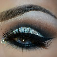 Cut Crease with Glitter by Aurora G