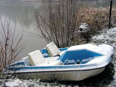 paddle boat in snow Paddle Boat, Yacht Club, Fishing Boats, Cabin, Snow, Friends, Outdoor Decor, Life, Amigos