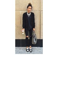 Jean noir + cardigan fluffy + mocassins pointus