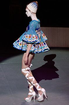 Bottomless aka I think you forgot your pant dear.............. Paris: Manish Arora Spring 2009