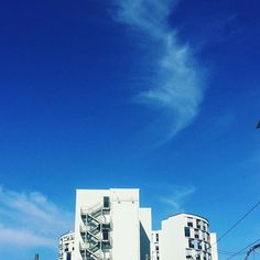 Stuttgart skies on a sunny day...  . . . #stuggi #0711 #city #cityliving #summer #sun #sky #coulds #whispyclouds #blue #azure #white