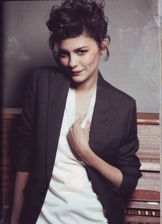 [Audrey Tautou] by GravesJ