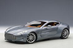 AUTOart: 2009 Aston Martin One-77 - Villa D'Este Blue (70243) in 1:18 scale