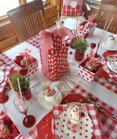 Adorable Ideas to a Romantic Home For This Valentine&;s Adorable Ideas to a Romantic Home For This Valentine&;s Amanda Pierce homestya Seasonal Decoration Ideas With Valentine&;s Day not far […] table decoration for home Valentines Day Decorations, Valentines Day Party, Valentine Day Crafts, Be My Valentine, Valentine Table Decor, Table Arrangements, Table Centerpieces, Romantic Table, Romantic Ideas