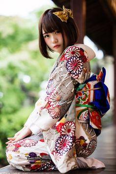 Beautiful Japanese Girl, Japanese Beauty, Beautiful Asian Girls, Asian Beauty, Traditional Japanese Kimono, Traditional Dresses, Cute Kawaii Girl, Prity Girl, Kimono Design