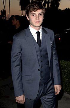 Evan Peters looking gorgeous in a suit!