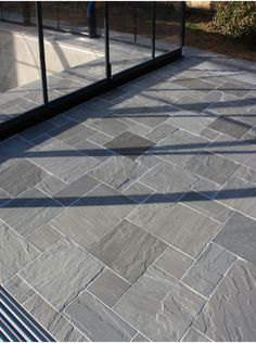 Royale Stones, Natural Sandstone Paving Kandla Grey Patio Pack - 19 m2 Per Pack
