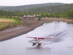 Bush pilots are the only means of getting supplies to people living in the Alaskan wilderness Small Airplanes, Old Planes, Travel Around The World, Around The Worlds, Bush Pilot, Bush Plane, Float Plane, Airplane Flying, Amphibians