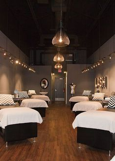 L Lash Bar Edmonton Eyelash Extensions Eyebrow Threading Spa Room Decor, Beauty Room Decor, Beauty Salon Decor, Beauty Bar, Eyelash Salon, Eyelash Studio, Esthetics Room, Lash Room, Spa Design